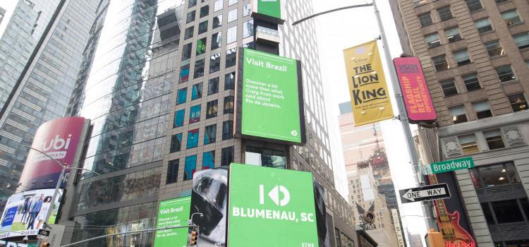 Stone homenageia Blumenau na Times Square