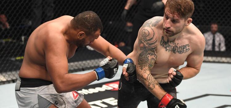 Zé Colmeia é nocauteado em 45s no UFC