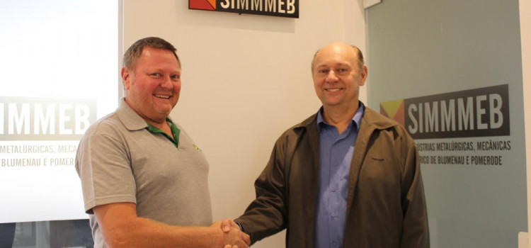 Dieter Claus Pfuetzenreiter é reeleito para presidente do SIMMMEB