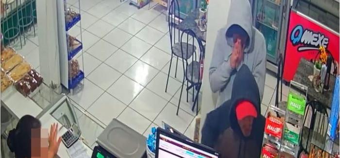 Criminosos assaltam padaria Kibon