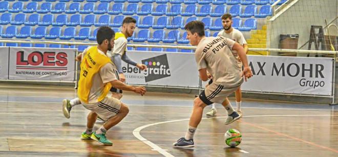 Blumenau Futsal enfrenta Jaraguá pelo Campeonato Catarinense