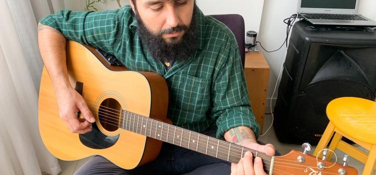 Músico de Itajaí lança EP caseiro gravado durante o isolamento