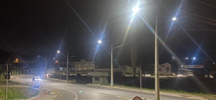 Iluminação no entorno do Terminal Água Verde é concluída