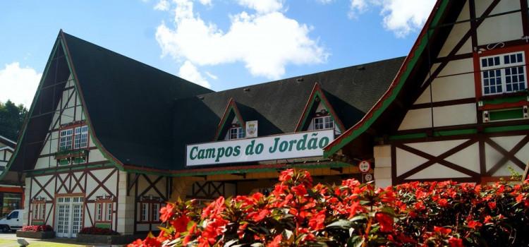 Frio, música clássica e gastronomia atraem turistas a Campos do Jordão