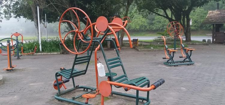 Prefeitura substitui aparelhos de ginástica da Praça Getúlio Vargas