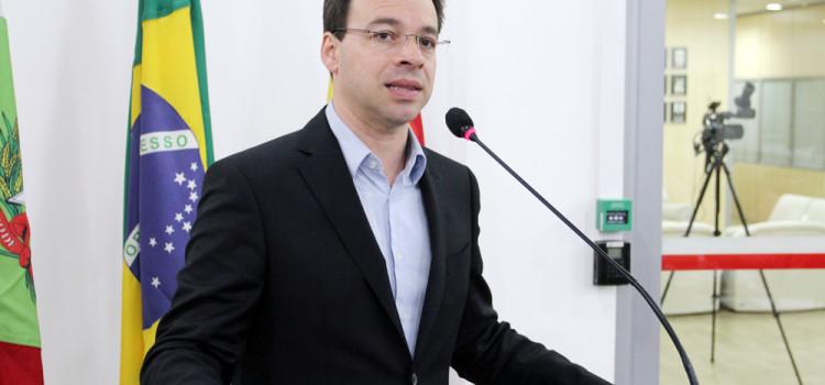 Vereador Sylvio Zimmermann alerta para prevenção ao câncer de intestino