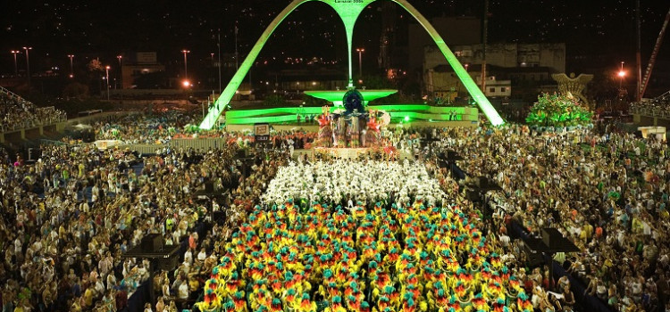 Mais de 36 milhões devem curtir Carnaval em sete destinos da folia