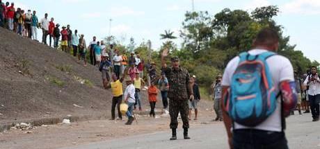 Mais de 70 brasileiros na Venezuela esperam autorização para voltar ao Brasil
