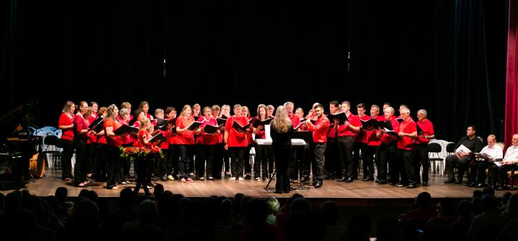 Weihnachtsfest celebra a tradição de Natal em Pomerode