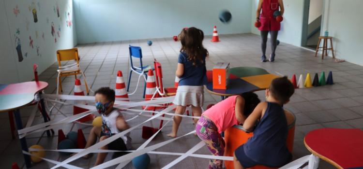 Rede Municipal de Ensino recebe materiais esportivos
