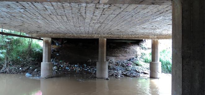 Usuário de drogas sofre tentativa de homicídio embaixo da ponte