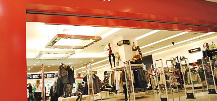 Mulher tenta roubar jaqueta na Renner do Norte Shopping