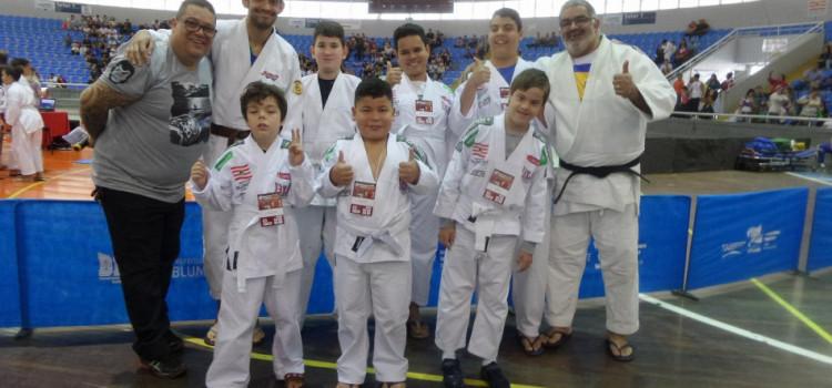 Alunos do Paradesporto participam de Encontro de Judocas