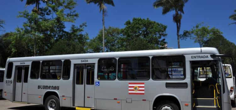 Linhas de ônibus terão horários especiais na segunda e terça de Carnaval