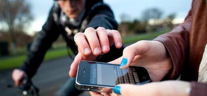 Ladrão de celular é preso perto da Vila Germânica