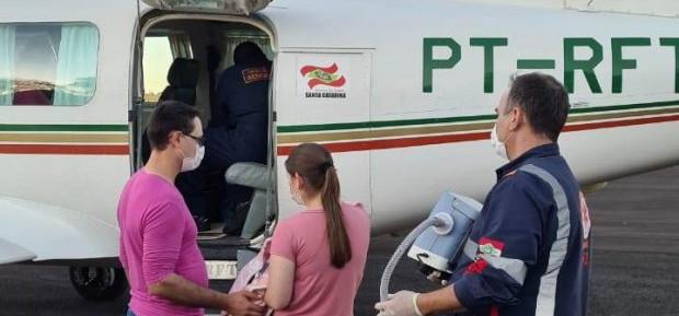 Aeronave do Estado transporta bebê para tratamento de AME