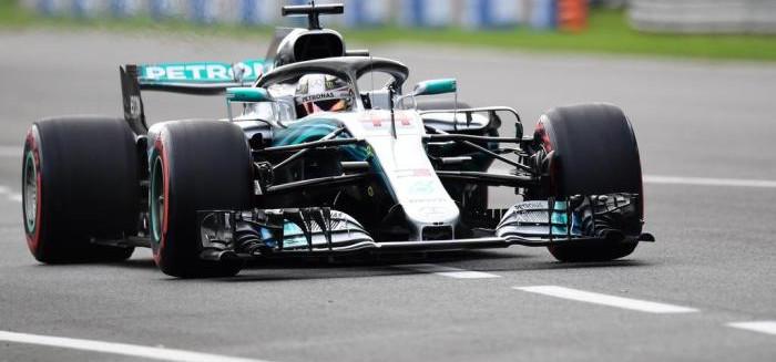Hamilton vence em Itália e iguala Schumacher
