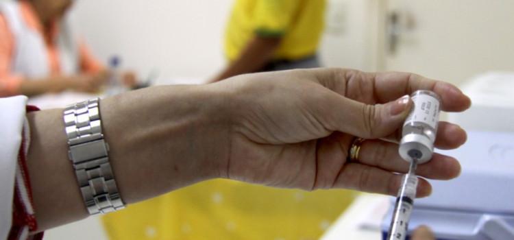 Mais de 25 mil pessoas ainda precisam se vacinar contra a gripe influenza