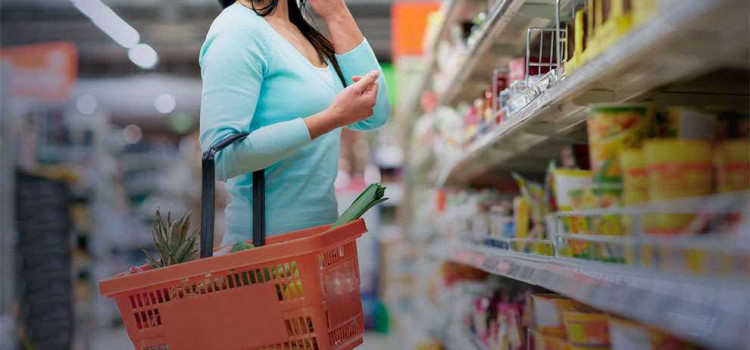 Confiança do consumidor cai em dezembro