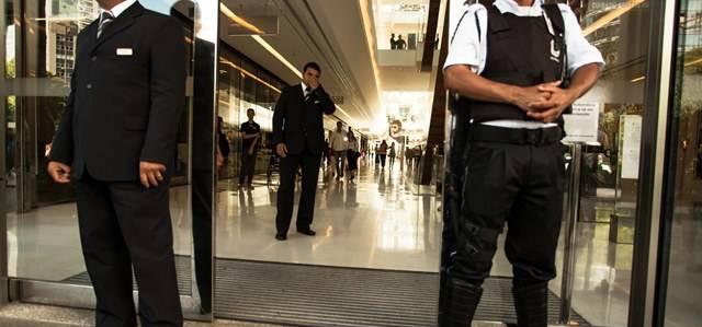 Segurança em shoppings: a importância da revisão contínua
