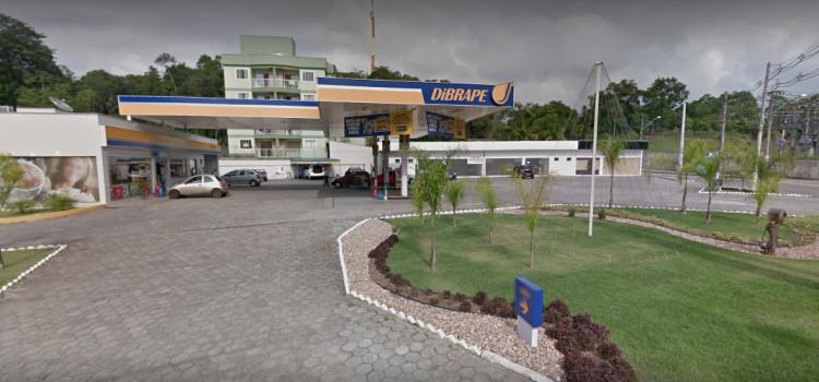 Ladrões atacam posto na Rua dos Caçadores