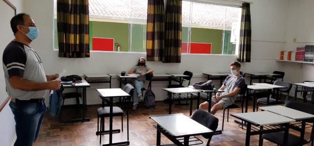 Autorizado o retorno das aulas presenciais em SC