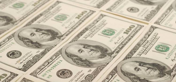 Dólar tem forte queda com 1º turno e é negociado ao redor de R$ 3,75
