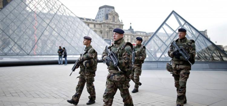 França prende quatro pessoas que planejavam atentado terrorista