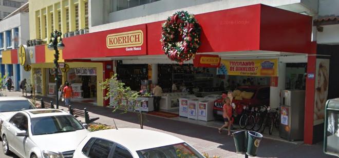 Trombadinha rouba forno na Koerich e foge de bicicleta