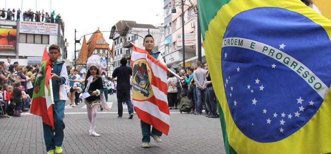 Desfiles Cívicos da Independência vão reunir mais de 5 mil pessoas