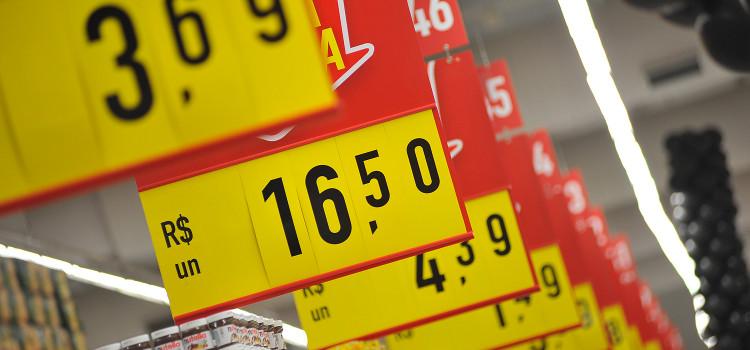 Inflação bate o maior nível em 25 anos