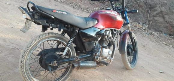 Polícia recupera moto roubada no bairro Asilo