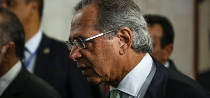 """Paulo Guedes diz que renuncia se Previdência virar """"reforminha"""","""