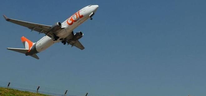 Ações de empresas aéreas sobem após notícia sobre vacina da Pfizer