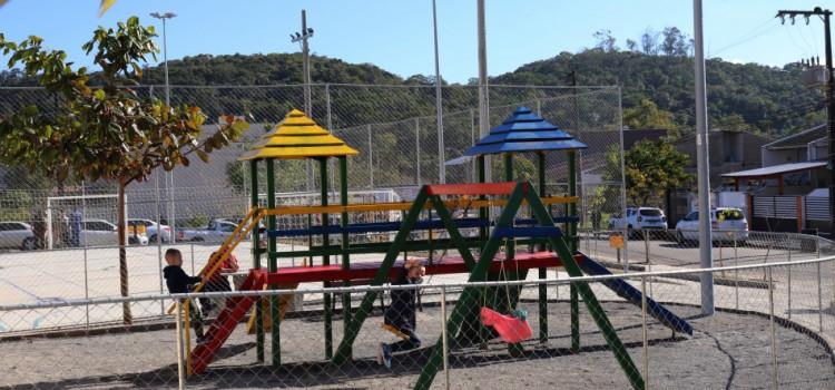 Prefeitura entrega praça à comunidade do Fidélis