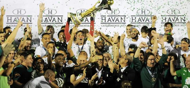 Chapecoense segura vantagem e conquista o Campeonato Catarinense