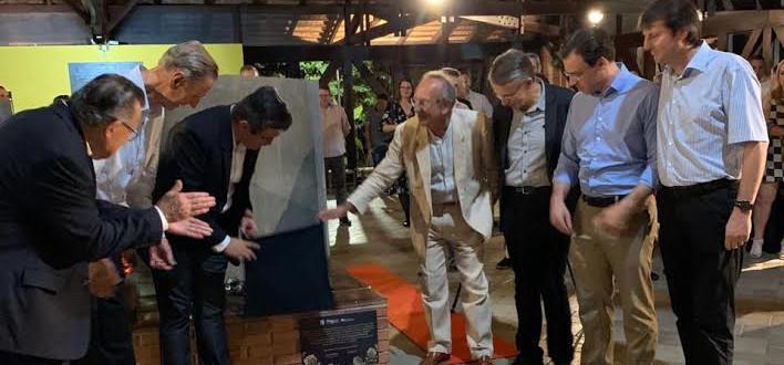 Mausoléu lota na festa dos 45 anos do espaço