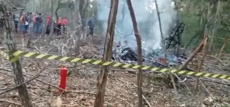 Aeronave cai e deixa mortos em Bom Despacho, MG