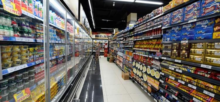 Quinta foi dia de furtar supermercado