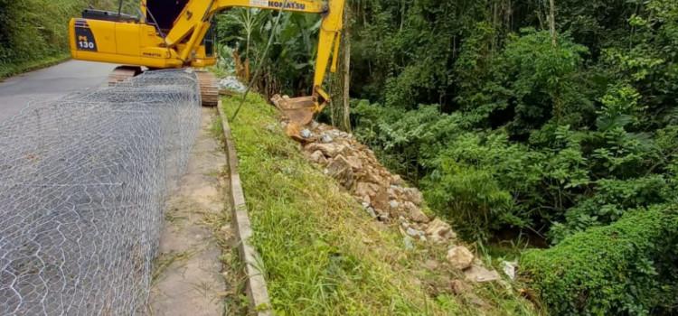 Prefeitura inicia obra de contenção na Rua Ruy Barbosa