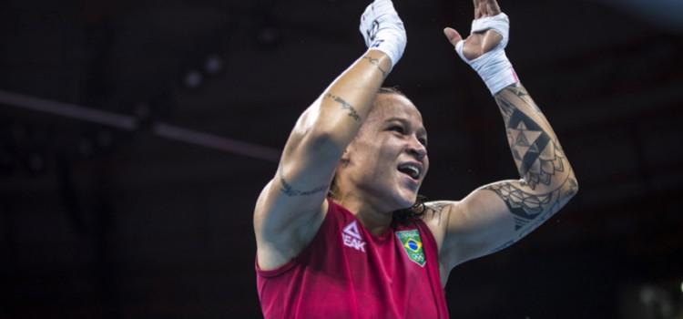 Beatriz Ferreira garante vaga nas oitavas do Mundial de Boxe