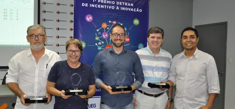 Especialista em trânsito de Blumenau é premiada pelo Detran de Goiás