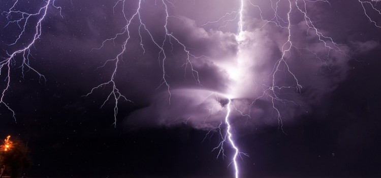 Hoje tem previsão de tempestade no fim do dia