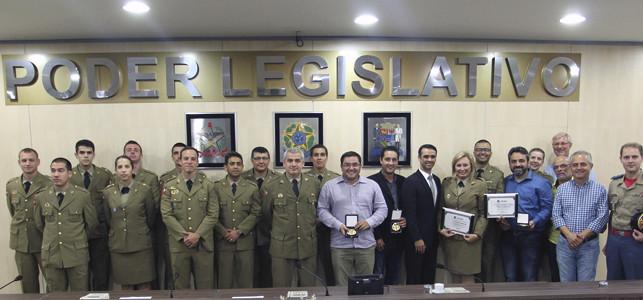 Câmara homenageia 30 anos de atuação do 10º Batalhão de Polícia Militar