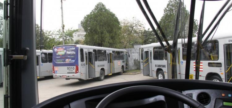 Transporte coletivo de Blumenau ganha novos ônibus neste mês