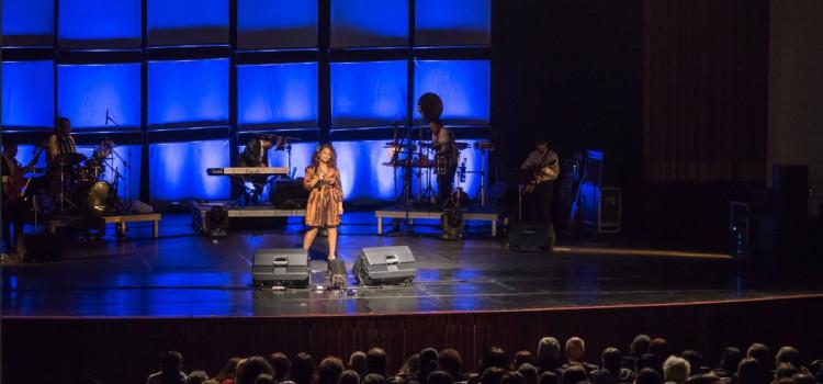 Show nacional em homenagem à Elis Regina chega a Blumenau no dia 9