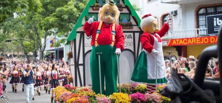 1º lote de vagas para desfilar na Oktoberfest Blumenau abre hoje