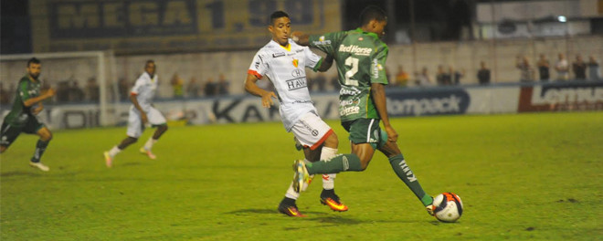 Metropolitano sai na frente e sofre virada do Brusque por 3x2