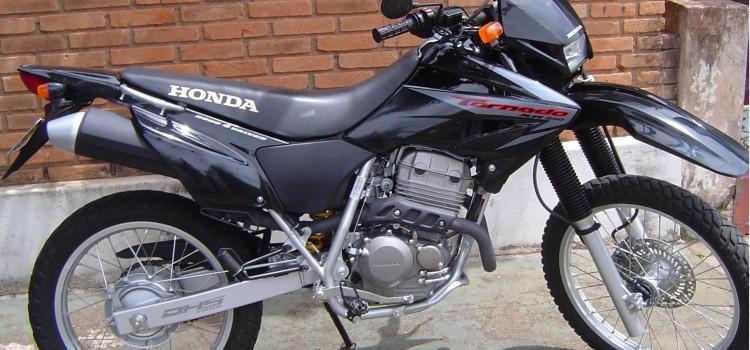Polícia pede ajuda para recuperar moto roubada