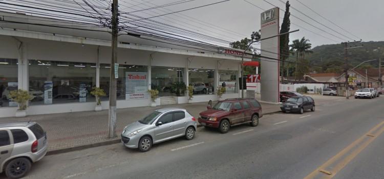 Concessionária Honda é roubada na Rua Itajaí